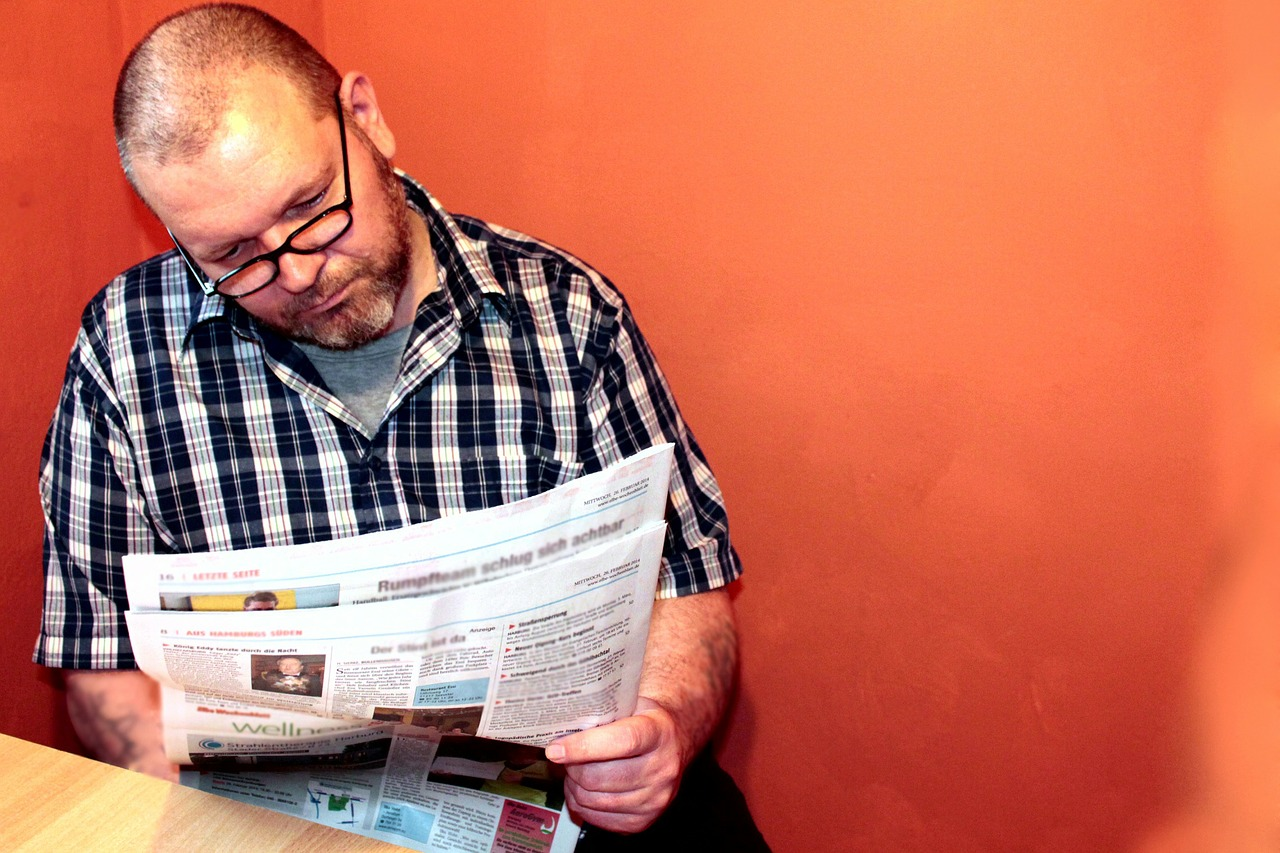 read-newspaper-277060_1280